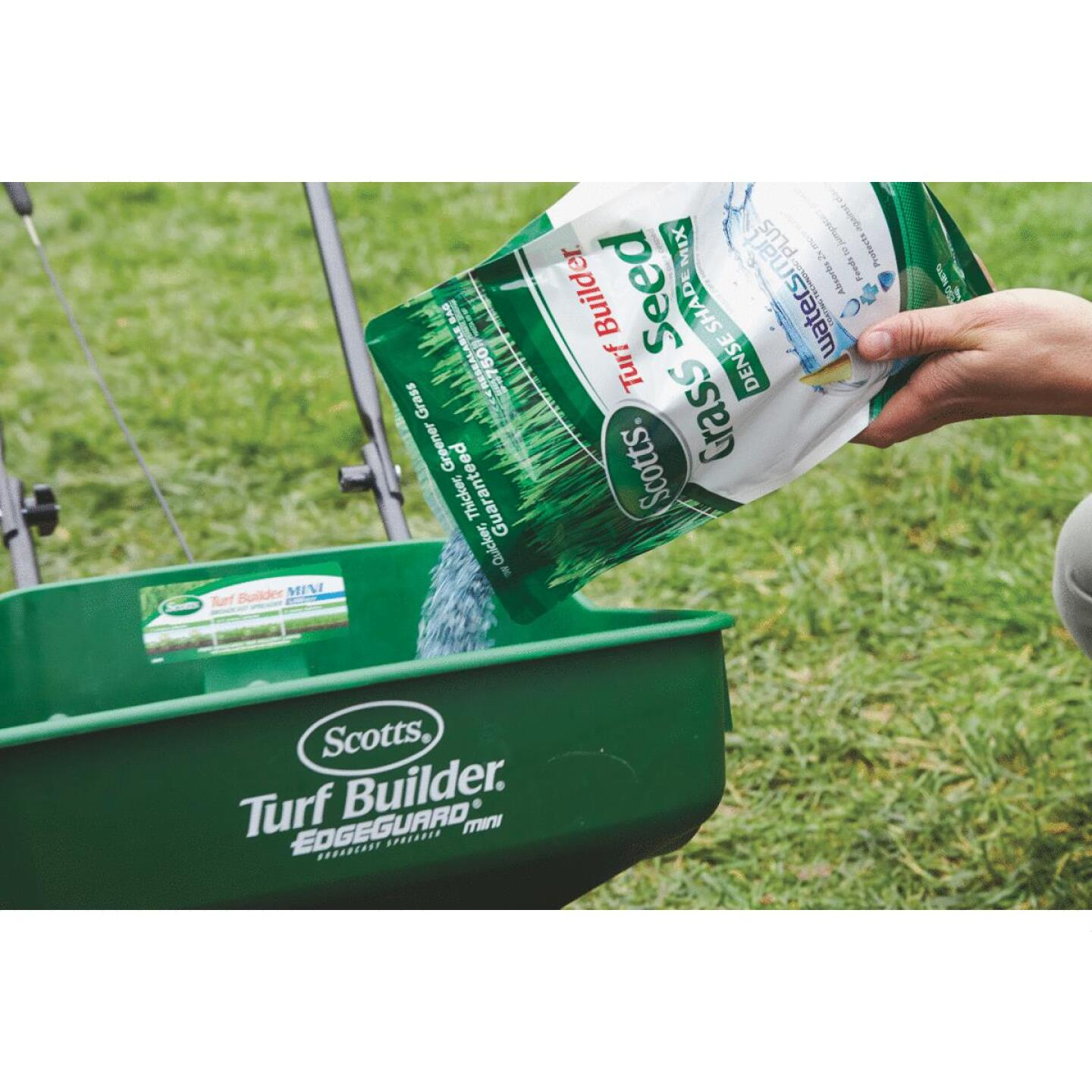 Scotts Turf Builder 3 Lb. Up To 750 Sq. Ft. Coverage Dense Shade Grass Seed Image 3